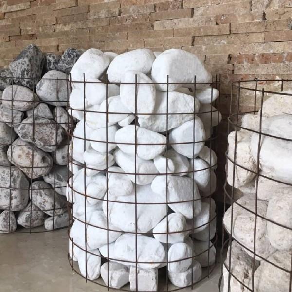 سنگ قلوه سفید برفی