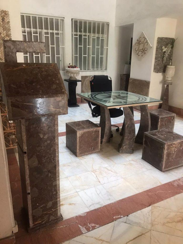 فروش سنگهای تزئینی با سنگ های مرمریت کنگلومرا