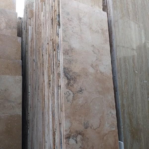 فروش 1000متر مربع سنگ ۴۰طولی تراورتن درهم پشتکاری
